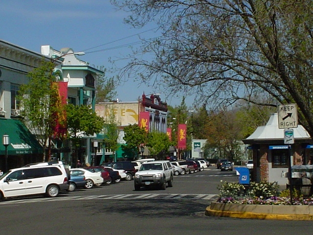 Ashland Oregon - an affordable small town for retirement living